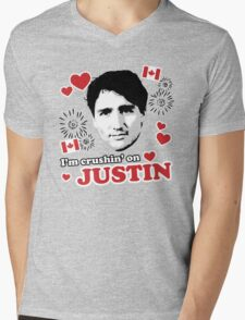 I'm Crushin' on Justin Trudeau Mens V-Neck T-Shirt