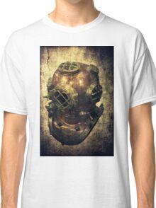 DEEP SEA DIVING HELMET GRUNGE Classic T-Shirt