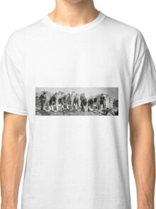 FEDERAL POLICE DESTROY PROHIBITION LIQUOR 1923 Classic T-Shirt