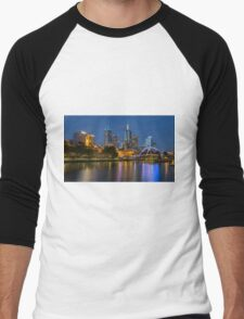 Melbourne at night and the Pedestrian Bridge Men's Baseball ¾ T-Shirt