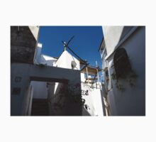 Whitewashed Mediterranean Courtyard - a Charming Traditional Home on Capri Island, Italy Kids Tee