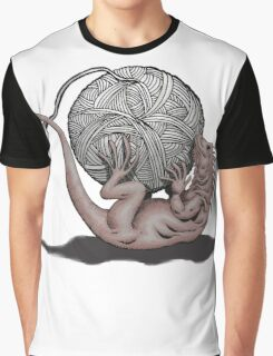 Lizard with Yarn Graphic T-Shirt