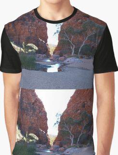 Simpsons Gap,Larapinta Trail, West McDonald Ranges Northern Territory Graphic T-Shirt