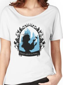 Beautiful  princess silhouette with singing bird Women's Relaxed Fit T-Shirt