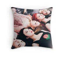 red velvet the velvet poster Throw Pillow