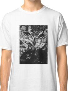 Owl drawing photorealistic Classic T-Shirt