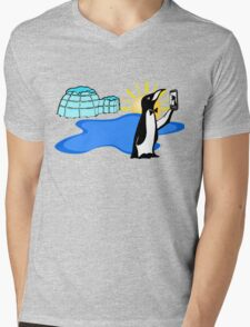 Cool Penguin Selfie in Alaska Mens V-Neck T-Shirt