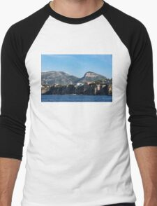 Sailing to Sorrento, Perched Atop Imposing Cliffs on the Bay of Naples, Italy Men's Baseball ¾ T-Shirt
