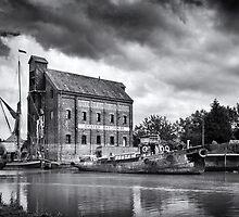 faversham Iron wharf by Ian Hufton
