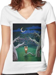 Owl In The Magic Forest Women's Fitted V-Neck T-Shirt