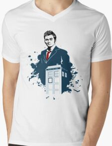 Dr. Who - Doctor Who - 10th Doctor w/ Tardis Mens V-Neck T-Shirt
