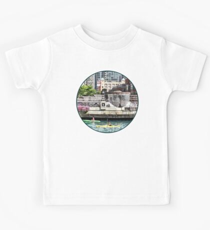 Chicago IL - Kayaking on the Chicago River Kids Tee