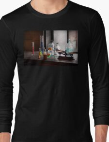 Science - Chemist - Chemistry Equipment  Long Sleeve T-Shirt