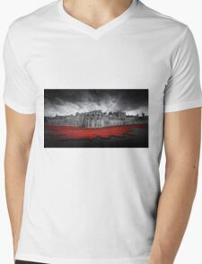 Tower of London Remembers.  Mens V-Neck T-Shirt