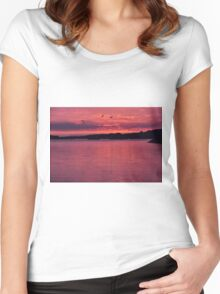 Red Sea Women's Fitted Scoop T-Shirt