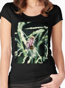 Restful Bee Women's Fitted Scoop T-Shirt