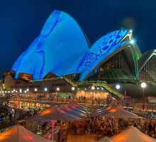 Luminous in Blue - Sydney Opera House by Erik Schlogl