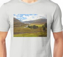 Dalnaspidal (Dalnaspidal, Loch Garry, The Cairngorms National Park, Scotland, UK) Unisex T-Shirt