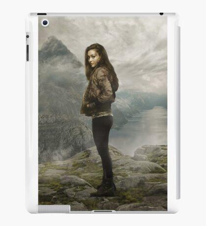 Raven Reyes - Season 1 - Poster iPad Case/Skin