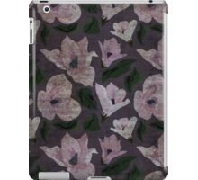 Vintage grunge floral pattern old retro print textile fabric background iPad Case/Skin