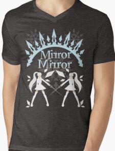 Mirror Mirrror Weiss Schnee Mens V-Neck T-Shirt