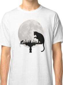 Cat and Rat Playing Chess  Classic T-Shirt