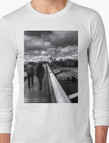 Winter Walk To St Paul's Cathedral London Long Sleeve T-Shirt