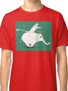 WHITE ELEPHANT & CAT ON GREEN Classic T-Shirt