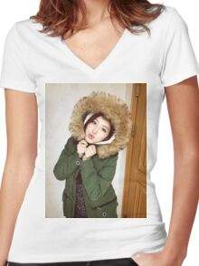 Kim Covered With Fur Women's Fitted V-Neck T-Shirt