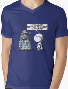 Marvin meets Who? Mens V-Neck T-Shirt