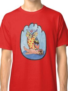 Love Owl on a Log Classic T-Shirt