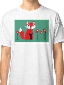 LONE FOX IN GARDEN Classic T-Shirt