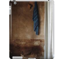 22.3.2016: Towel and Curtains iPad Case/Skin