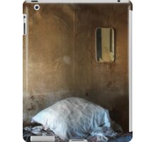 22.3.2016: Pillow and Mirror iPad Case/Skin
