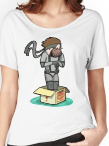 He thinks he's hiding... Women's Relaxed Fit T-Shirt