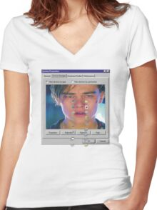 dicaprio crying  Women's Fitted V-Neck T-Shirt