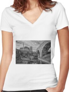 Minneapolis 30 Women's Fitted V-Neck T-Shirt