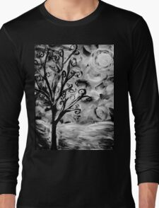 tree in the wind (black and white) Long Sleeve T-Shirt