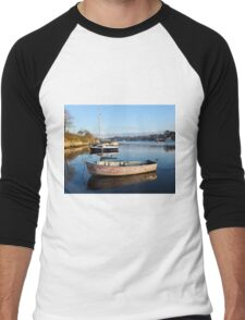 Happy Reflections Of An Old Red Boat Men's Baseball ¾ T-Shirt