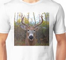 Wide-Angled Buck - White-tailed deer Unisex T-Shirt