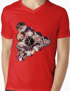 "EXO ""Love Me Right"" Mens V-Neck T-Shirt"