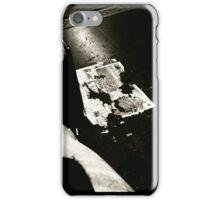 Zerrissen iPhone Case/Skin