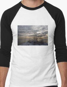 Early Morning Tree Silhouette on Silver Sky Men's Baseball ¾ T-Shirt