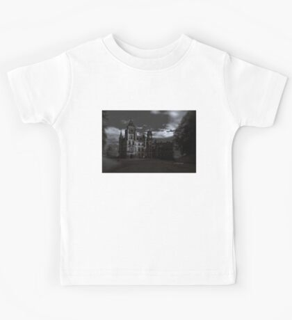 Spooky Night on Dunrobin Castle Black and White (Golspie, Sutherland, Scotland) Kids Tee
