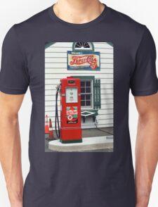 Route 66 - Illinois Vintage Pump T-Shirt