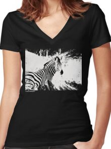 zebra love Women's Fitted V-Neck T-Shirt