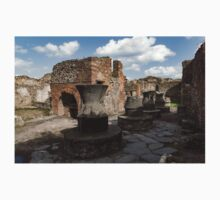 Ancient Pompeii - Bakery of Modestus Millstones and Bread Oven Kids Tee