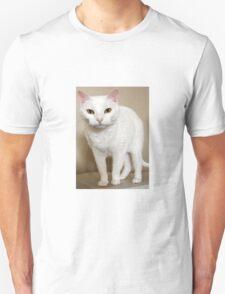 MY BOSSY WHITE CAT Unisex T-Shirt
