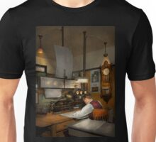 Steampunk - RR - The train dispatcher Unisex T-Shirt