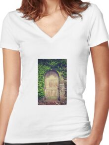 Doorway Women's Fitted V-Neck T-Shirt